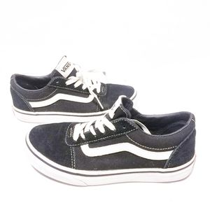 Vans Youth Low-Cut Black and White Sneakers